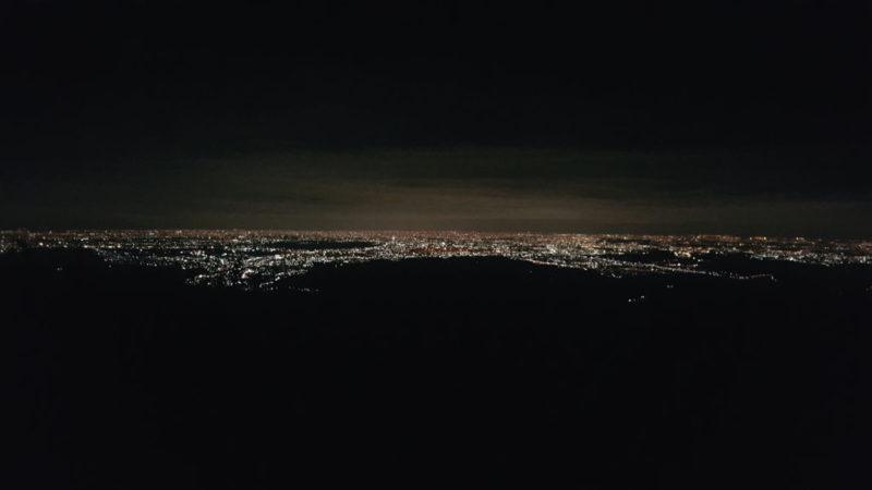 日の出山から見た夜景