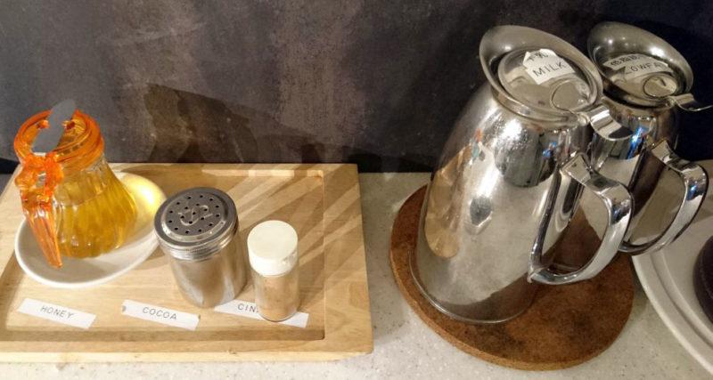 ブレンズコーヒーの無料ハチミツトッピング
