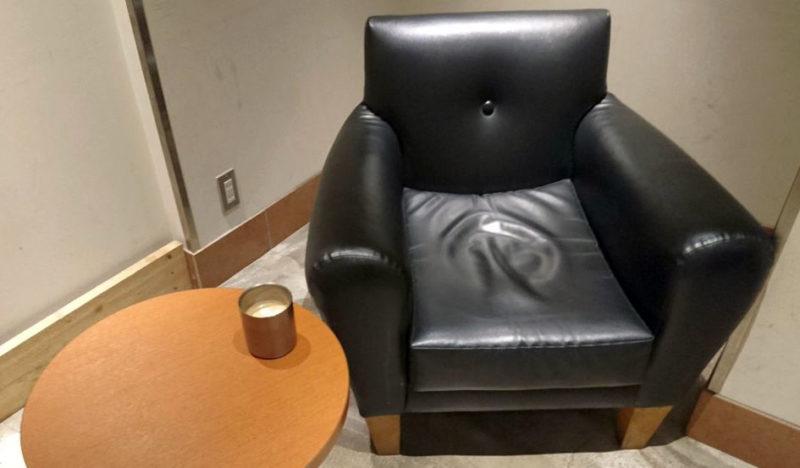 ブレンズコーヒーのソファ席