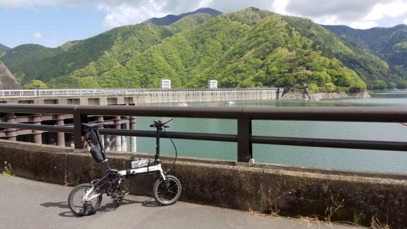 小河内ダム前のダホンK3