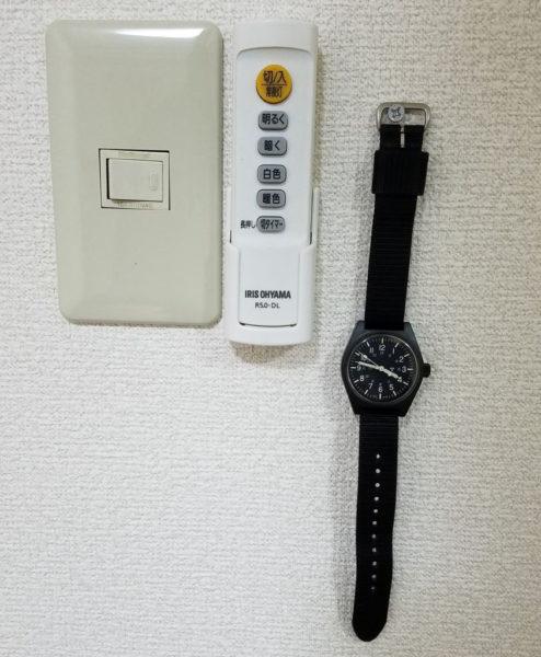 壁掛け腕時計