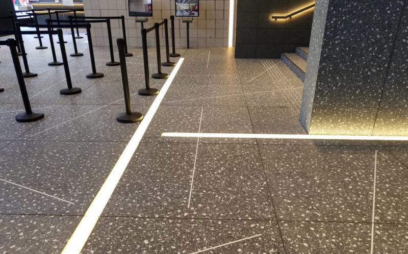 1階ロビーの床模様