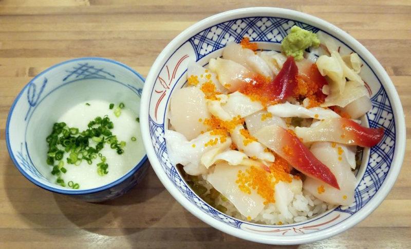 磯丸水産の貝3種丼・とろろ単品